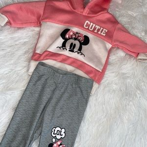 Three piece babygirl Minnie Mouse outfit.